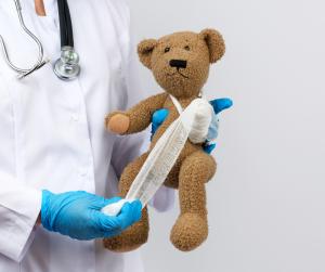 Kuscheltier für Kinder im Krankenhaus