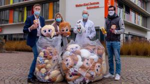 8.000 Kuscheltiere für 19 Kinderkliniken