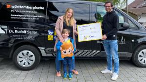 Read more about the article Spendenübergabe – Spielturm und Urlaubsgeld für Leo